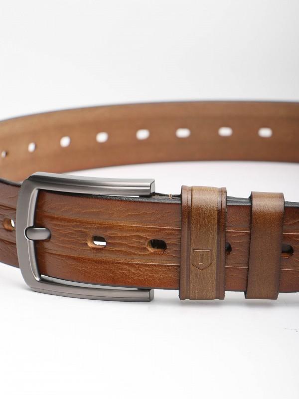 Cinturón casual en piel