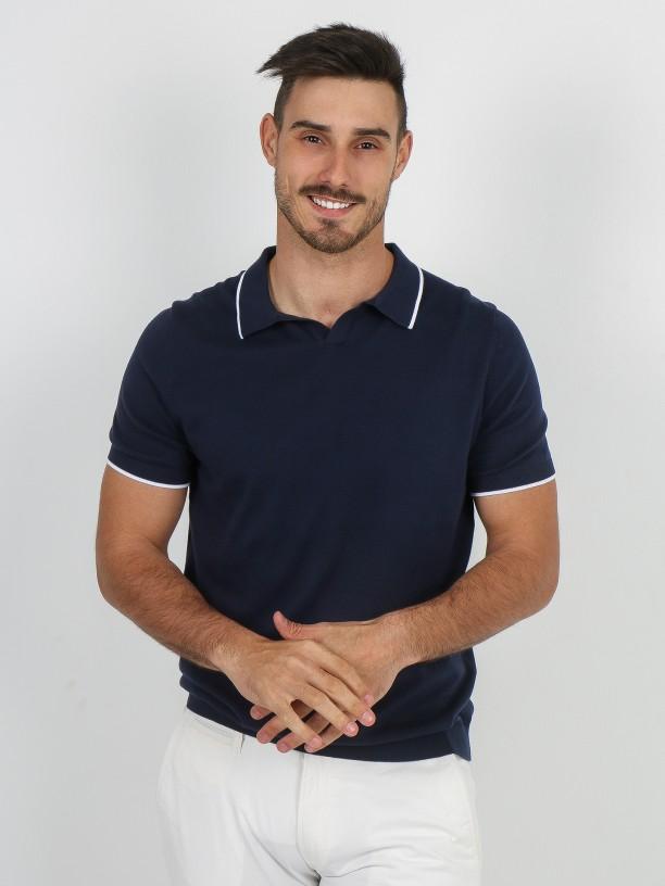 V-collar cotton knit polo shirt