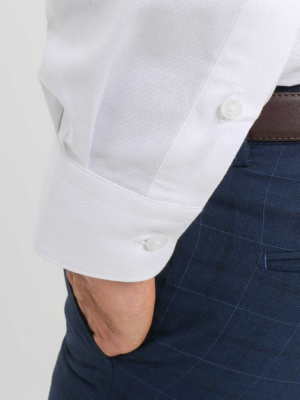 Camisa clássica regular fit micro estrutura