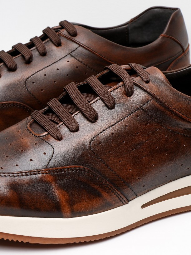 Leather sneakers with sole detail