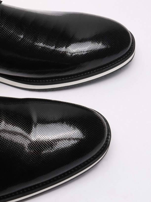 Varnish leather casual shoes