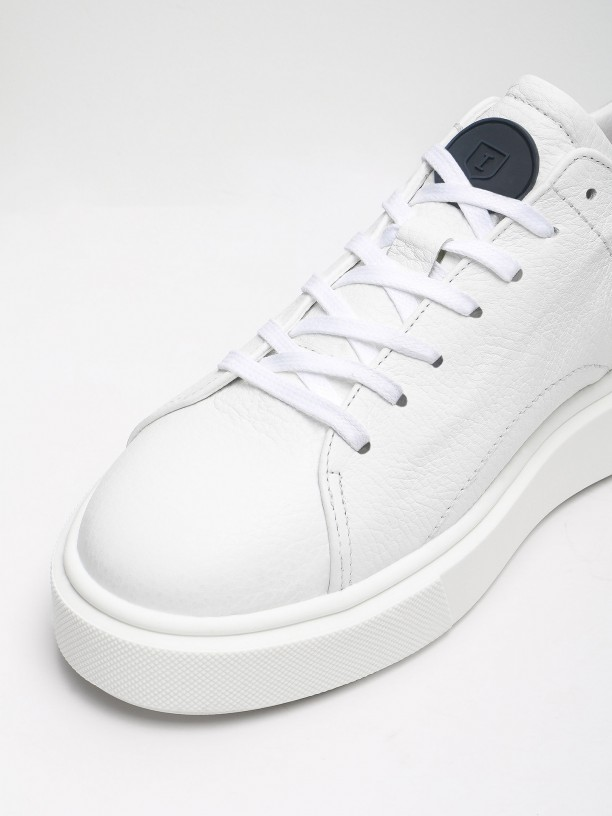 Wide-soled leather sneakers