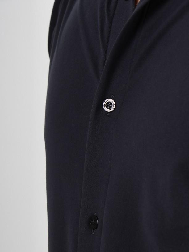 Slim fit light knit fabric shirt