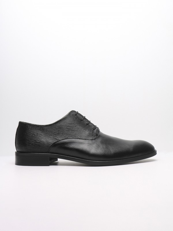 Leather elegant shoes with pattern