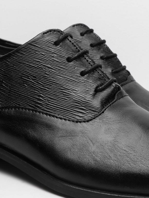 Zapato de piel elegante