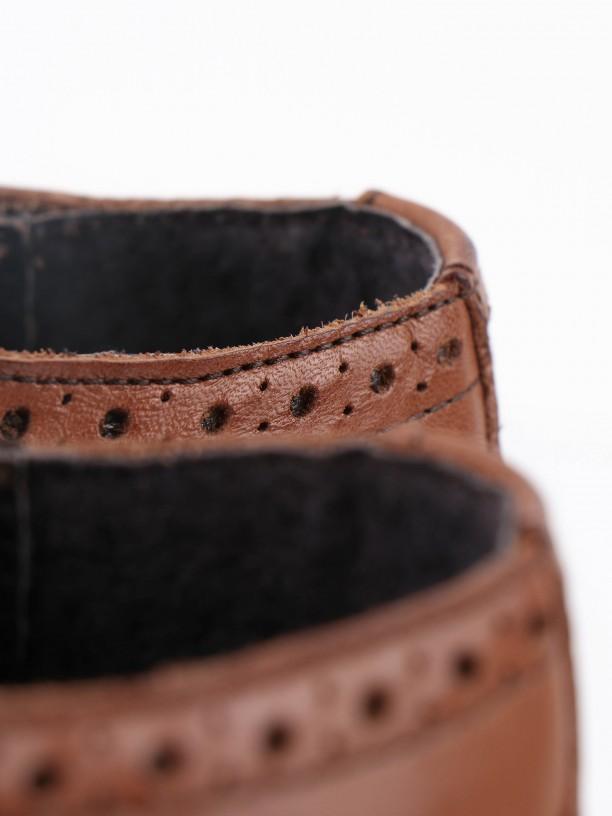 Sapato elegante de pele com franja