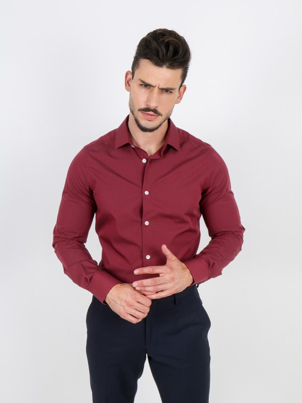 Camisa clássica lisa slim fit