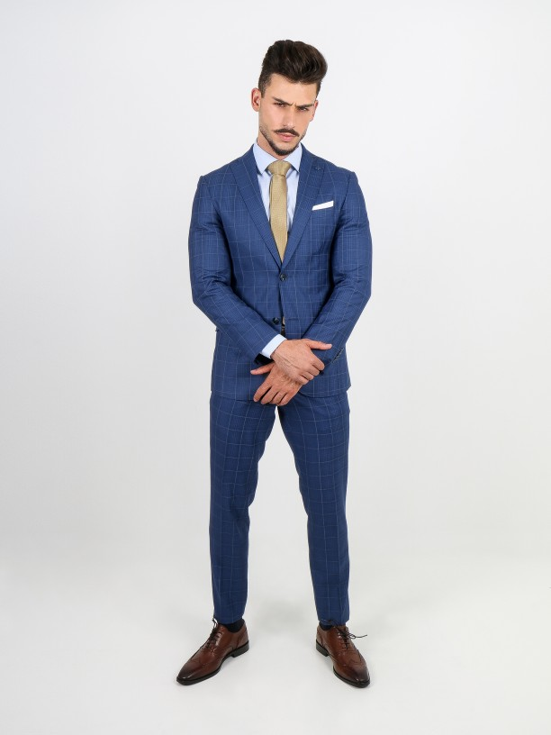 Slim fit plaid pattern suit
