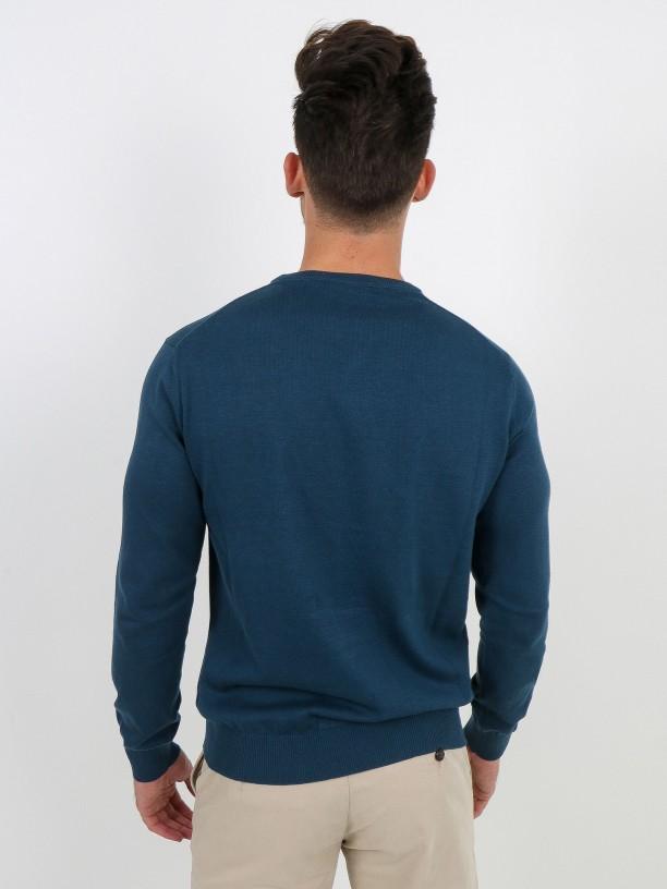 Round-collar cotton sweater