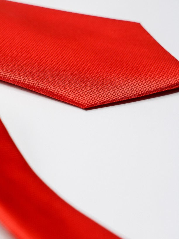 Gravata clássica com micro padrão